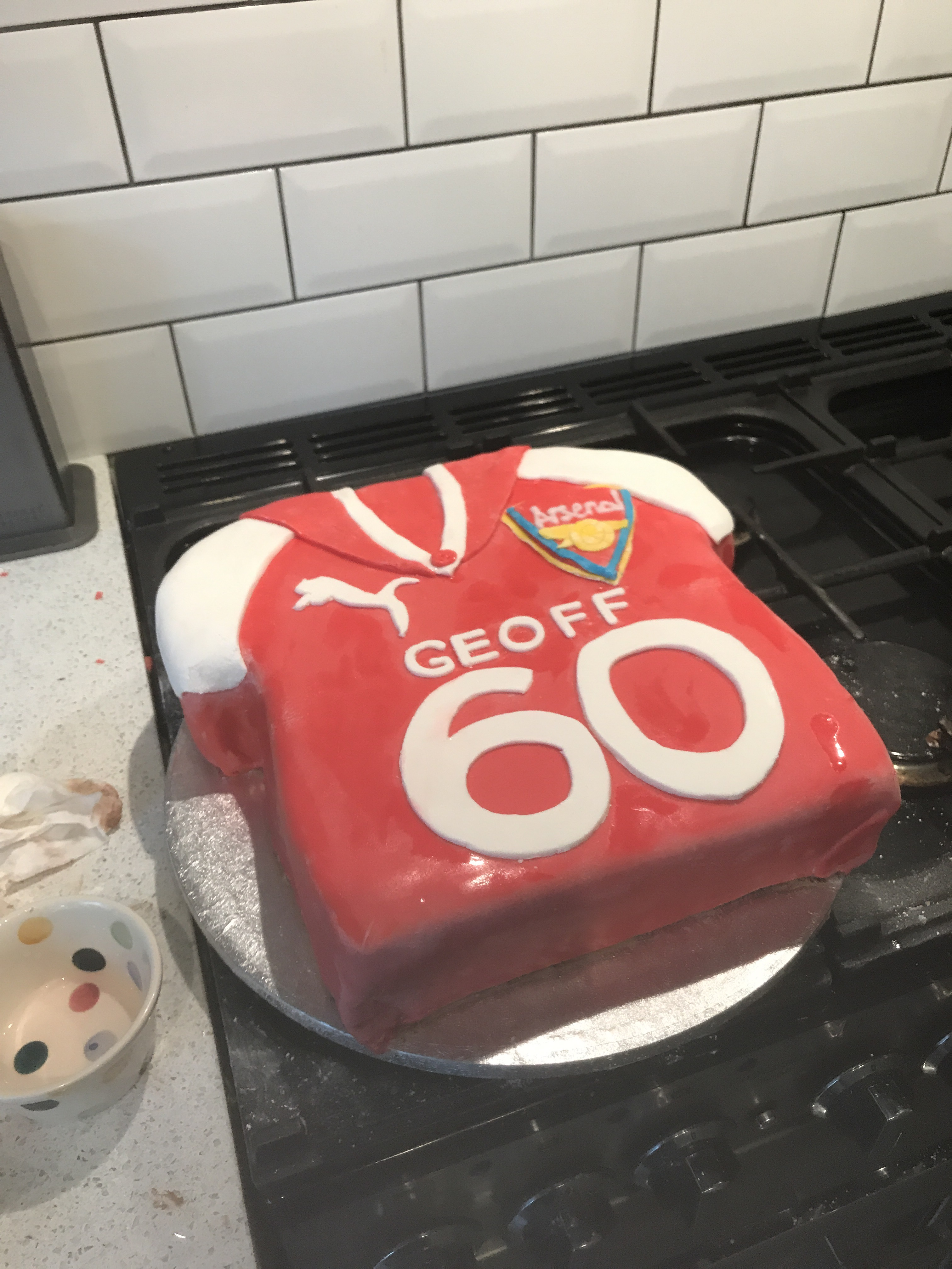 Surprising Gbbo Week 1 Illusion Cake Arsenal Football Shirt 60Th Birthday Personalised Birthday Cards Paralily Jamesorg