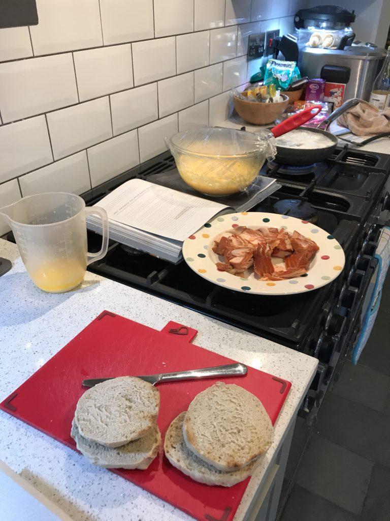 eggs benedict preparation
