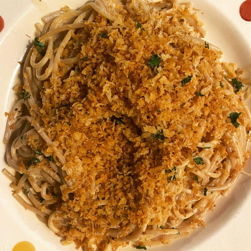 spaghetti with breadcrumbs